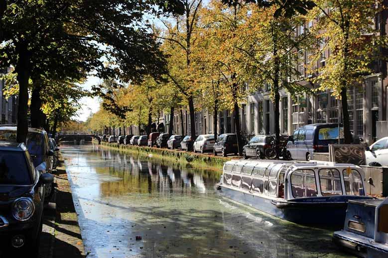 Kanal im Zentrum von Delft