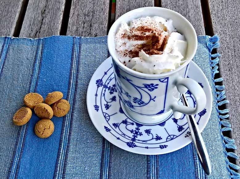 Delfter Porzellan mit Kakao