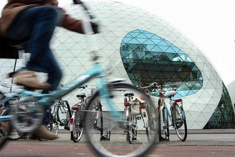 Radfahrer am Klecks, Eindhoven