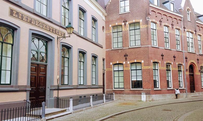 Typische Häuser in Breda in Nordbrabant