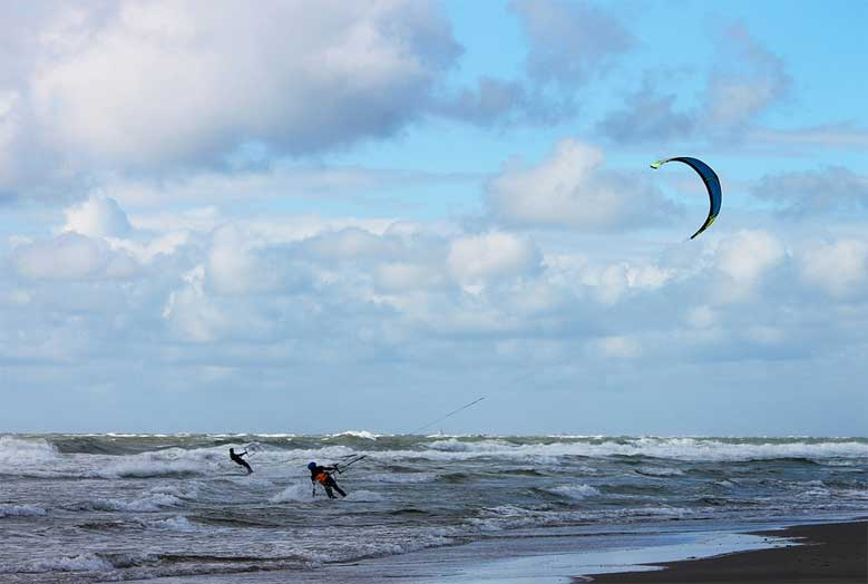 Kitesurfen an der Nordsee in Holland