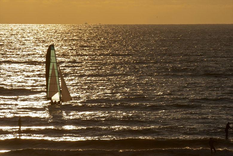 Segeln und Surfen an der Nordsee in Holland