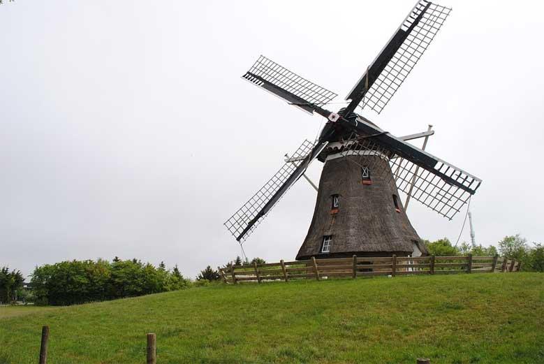 Windmühle in Nes auf Ameland